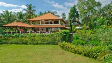 7 Bedroom villa Balian Beach