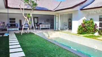 Luxurious 4 Bedrooms Villa in Canggu