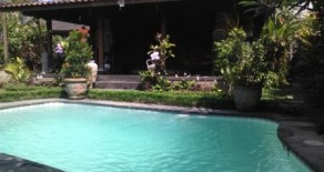 Nice villa in Ubud with joglo building form