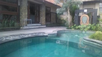 Luxury villa near central Ubud