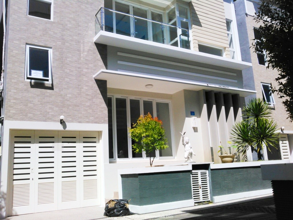 Modern house in residential area of sanur