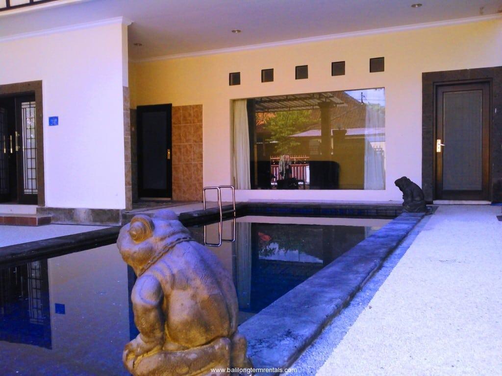 4 bedroom spacious villa in Sanur