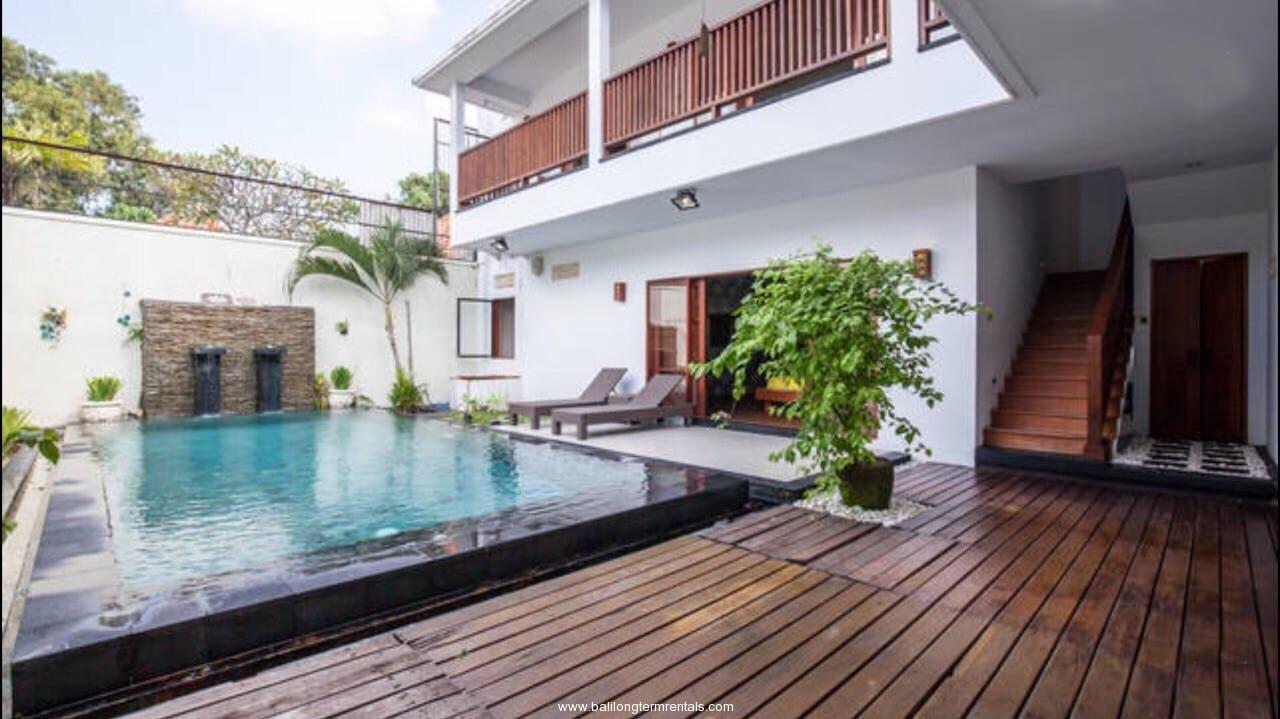 Modern 3 bedroom villa in Seminyak Area