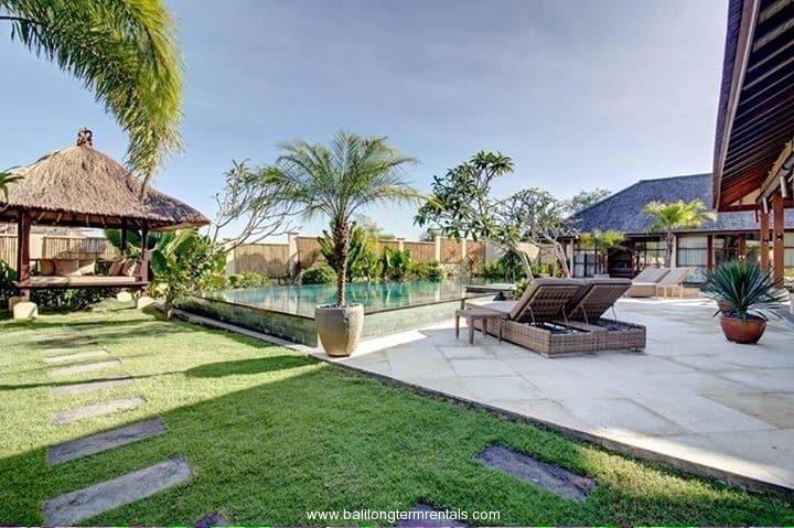 Spacious 4 bedroom villa in Canggu