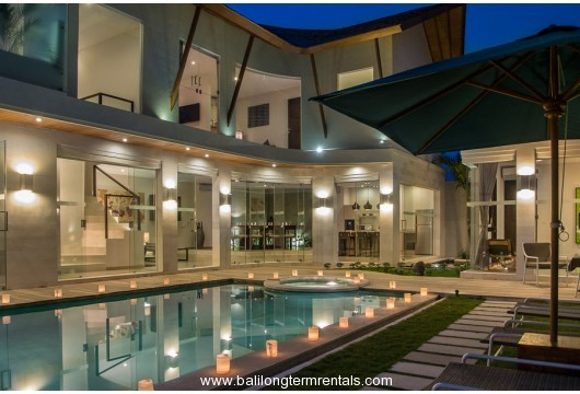 4 bedroom villa in heart of Seminyak