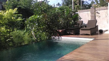 villa in Ubud overlooking jungle view