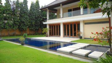 4 bedroom villa in strategic villa residential in Seminyak