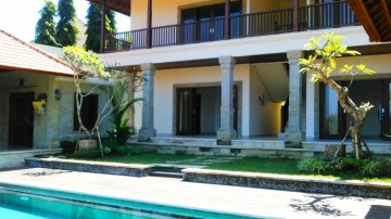 4 bedroom villa with beautiful view in a tranquil area of Sanur