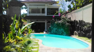 Spacious 5 bedroom in Kuta