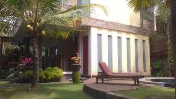 Luxury 3 bedrooms villa in central Ubud