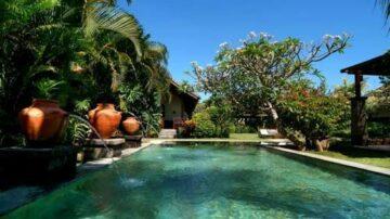 Tropical 6 bedroom villa