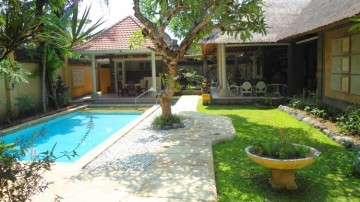 4 bedroom villa in Sanur