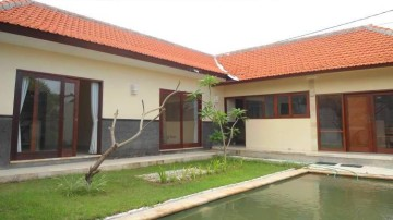 3 bedroom villa in north of Seminyak area