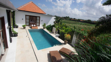 3 Bedroom private villa with rice field view in Canggu area