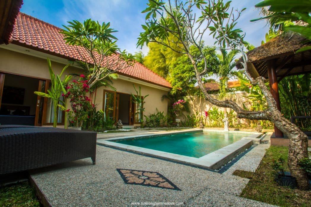 2 bedroom villa near double six beach seminyak for 6 bedroom villa seminyak
