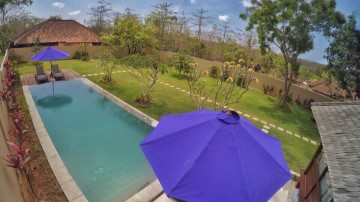 VILLA FOUR BEDROOM ON 10 ARE LAND BUKIT AND BIG POOL