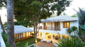 Luxury 3 bedroom villa at beach side