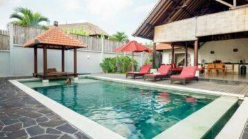 Tropical 3 bedroom villa in Canggu area
