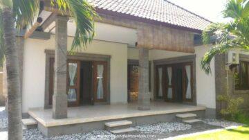 2 bedroom house with big garden in Sanur