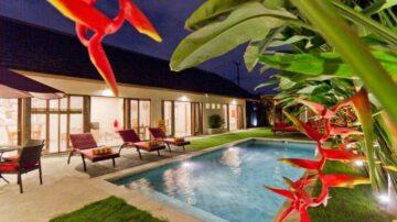 Monthly 3 bedroom private villa in Seminyak area
