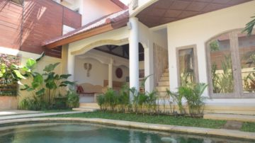 Nice 2 bedroom set on a compound villa in perfect area of Seminyak
