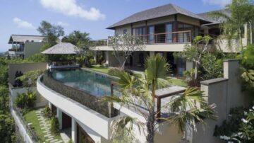 Luxurious 5 bedroom villa on cliff top in Jimbaran
