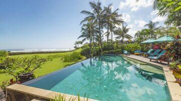 Amazing 4 bedroom villa in Mengening beach