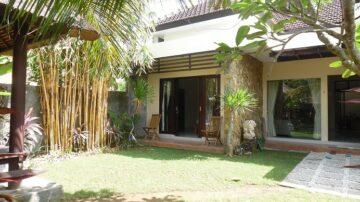 Sweet home in Banjar Padang Tawang, North Canggu