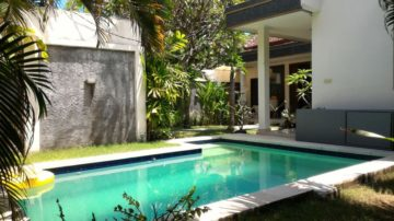 2 bedroom villa in good area of Seminyak for monthly rental