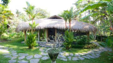 Sweet 2 bedroom bamboo house