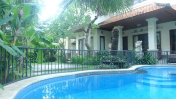 Family 3 bedroom villa in Sanur (Beach side)