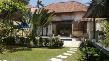 Warm Family 4 bedroom villa in Batu Belig
