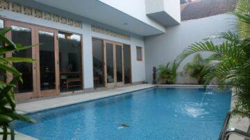 Fully furnish 3 bedroom villa in Kerobokan area