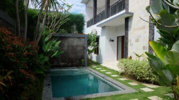 Unfurnished villa walking distance to Batu Belig Beach