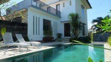 3 bedroom villa with quiet area close to Echo Beach