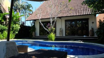 3 bedroom villa with lush garden in Kerobokan