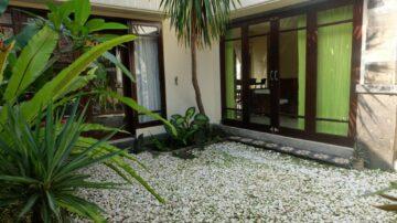 Sweet 2 bedroom house in a residential area of in Kerobokan