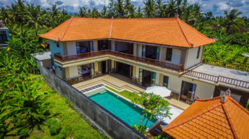 Gianyar Beach Side 5 Bedrooms Villa