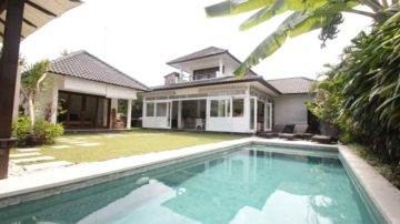Private villa in Seminyak area – 4 bedroom