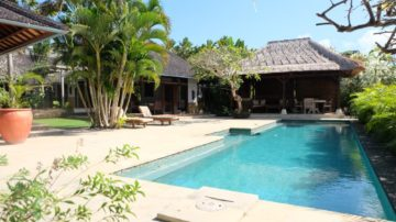 Wonderful 4 bedroom villa with breathtaking view on Jimbaran's top Cliff