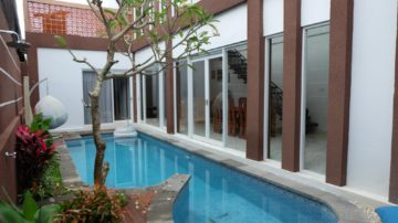 Super cozy 3 bedroom villa in Sanur beach side