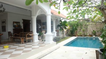 3 bedroom Colonial-style villa in Sanur area