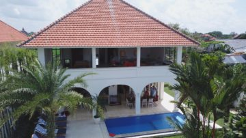 4 bedroom villa Surrounded by endless ricefields in Canggu