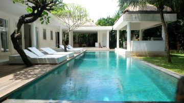 Agents Top Choice! 4 bedroom riverside villa in Pererenan-Canggu