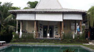 3 bedroom Joglo-style villa in Canggu