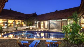 4 bedroom villa in tranquil area of Canggu, Nice Rice Field View!
