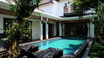 3 bedroom villa in central Berawa location