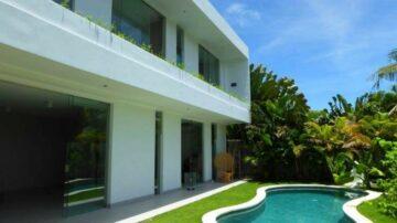 Modern 4 bedroom villa in Berawa area