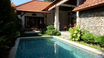 Comfortable 2 bedroom villa in Sanur – Beach Side!
