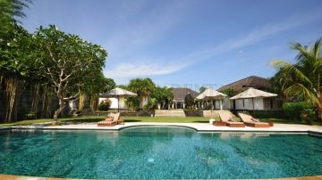 Fantastic 4 bedroom villa on 23ARE in North Canggu